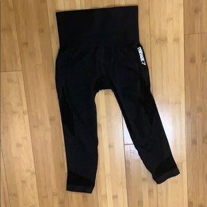 Black Gymshark Energy+ Seamless Crop Leggings